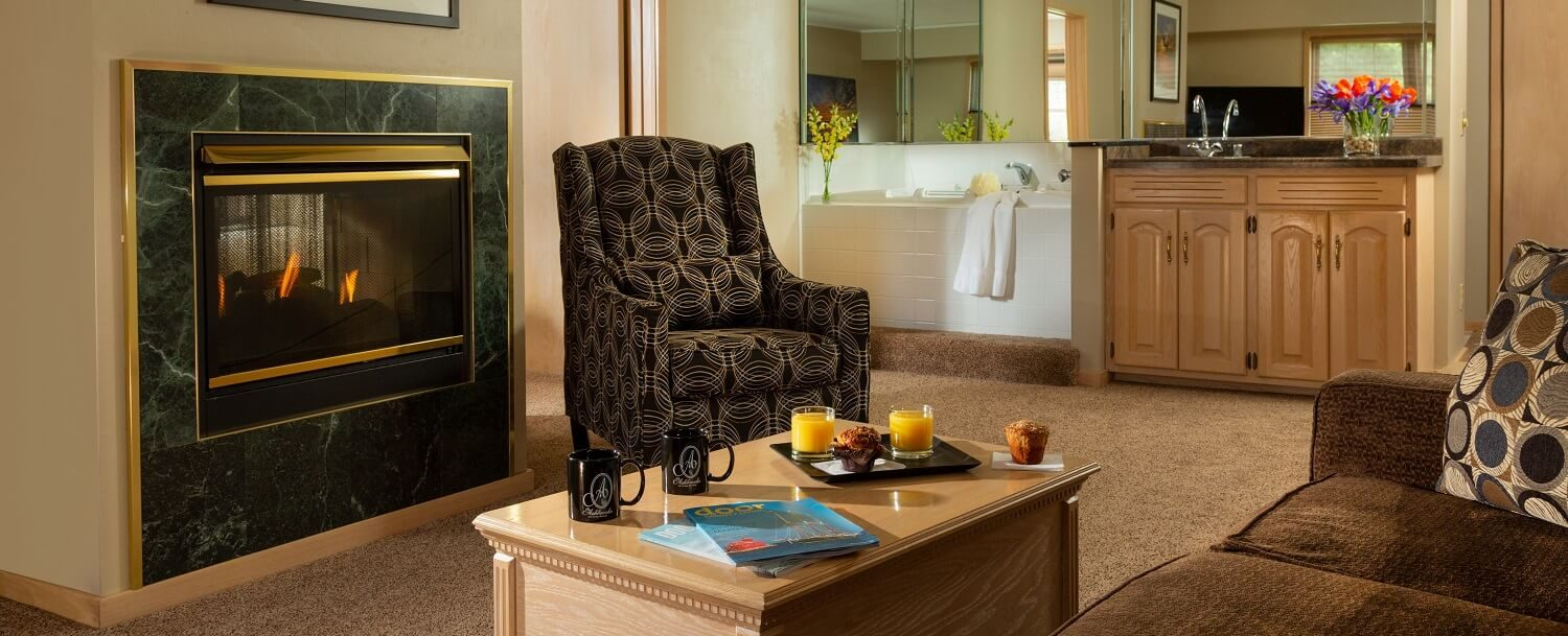 Living Room view of Grand Whirlpool Suite