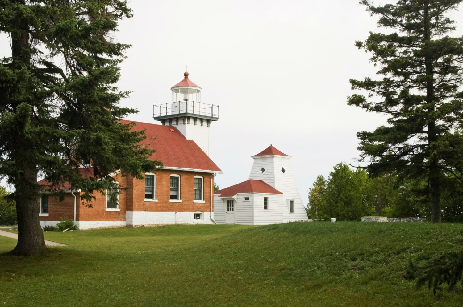 What You Need To Know About The Sherwood Point Lighthouse