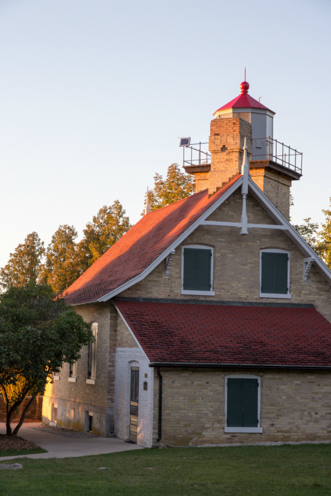 Your Ultimate Guide To The Eagle Bluff Lighthouse In Door